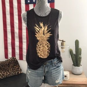 Chaser pineapple tank!